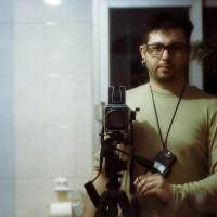 autorretrato con una hasselblad 503cw y objetivo sonnar 150mm f4