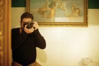 autorretrato con una Nikon F3 y objetivo nikkor 50mm f1.4